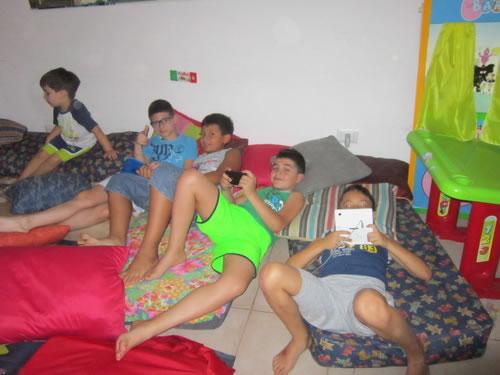 relaxroom_boys(1)